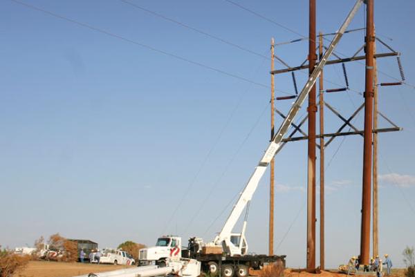 Xcel Energy spending $8.1 billion on transmission, distribution through 2020