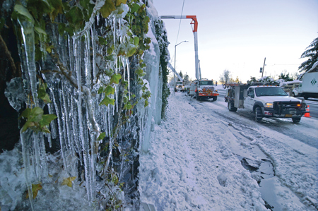 PGE crews at work dealing with aftermath of Jan. 7 ice storm.