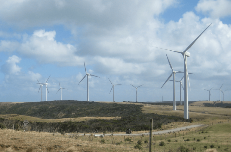 Xcel proposes to build Foxtail Wind Farm in two phases between 2018, 2019