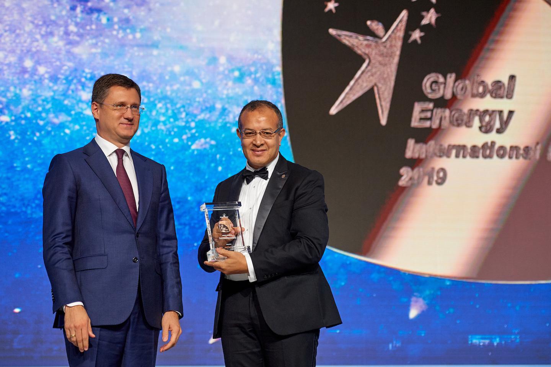 Russian Minister of Energy Alexander Novak and U.S. Laureate Khalil Amine. Source: The Global Energy Association