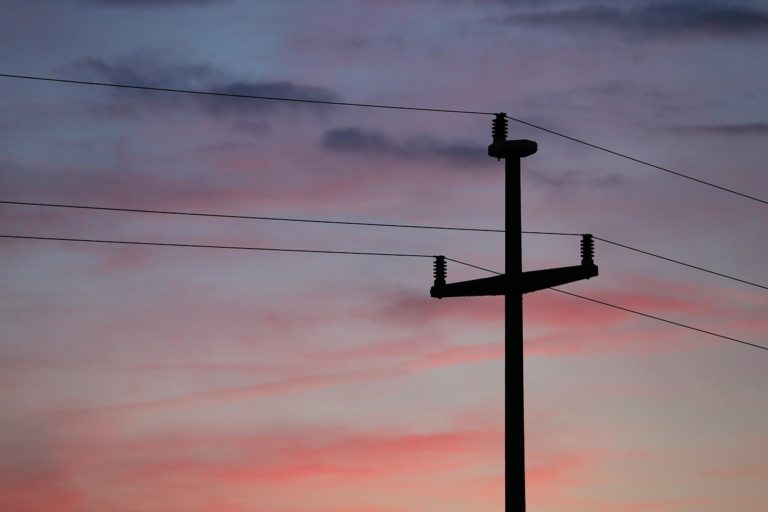 Transforming utility customer service: Incentive structures for peak load reduction