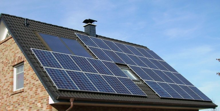 Evergy's new demand fee slows growth of rooftop solar in Kansas