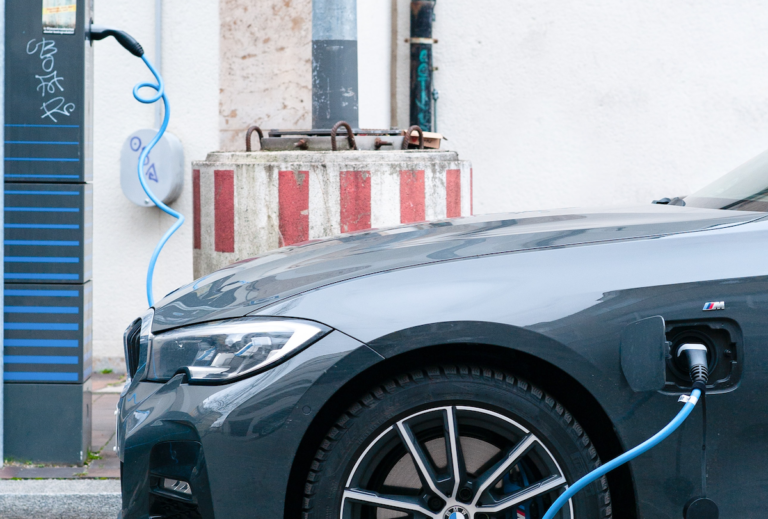 Transforming utility customer service: Meeting sustainability goals with fleet electrification