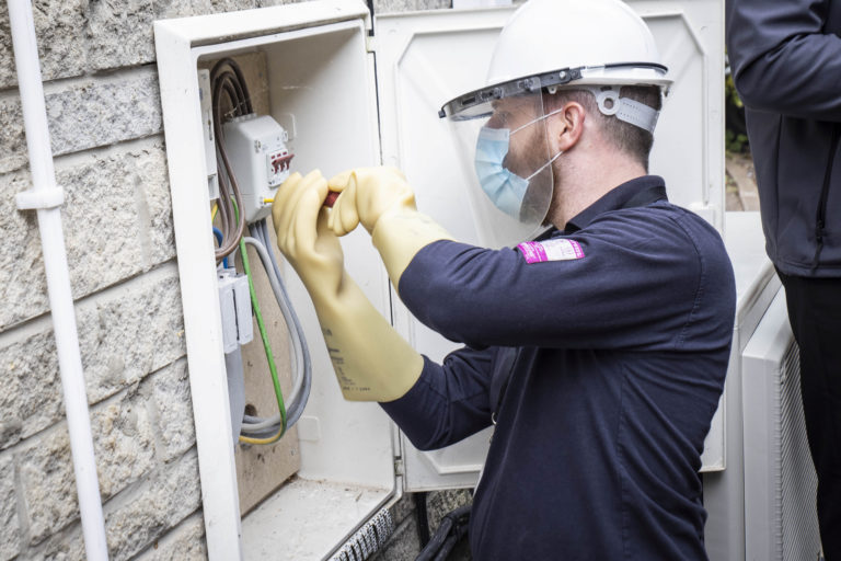 Britain installs first-ever polyphase SMETS2 smart meter
