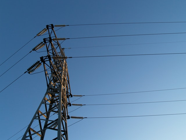 Study: More transmission means a more resilient power grid