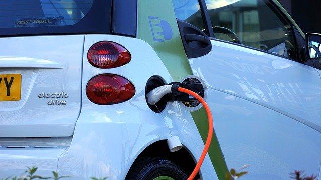 Four Australian grid operators to participate in $3.4 million EV pilot