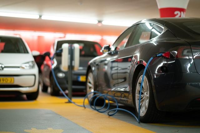 Connecticut regulators plan major growth in battery storage, EV charging